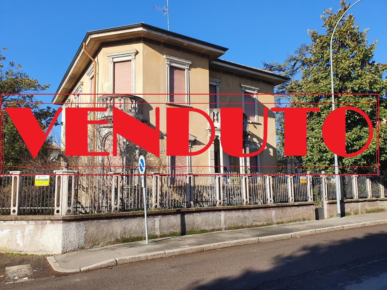Legnano – Villa – 03780