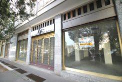 Negozio Fronte Strada con Vetrine Varese